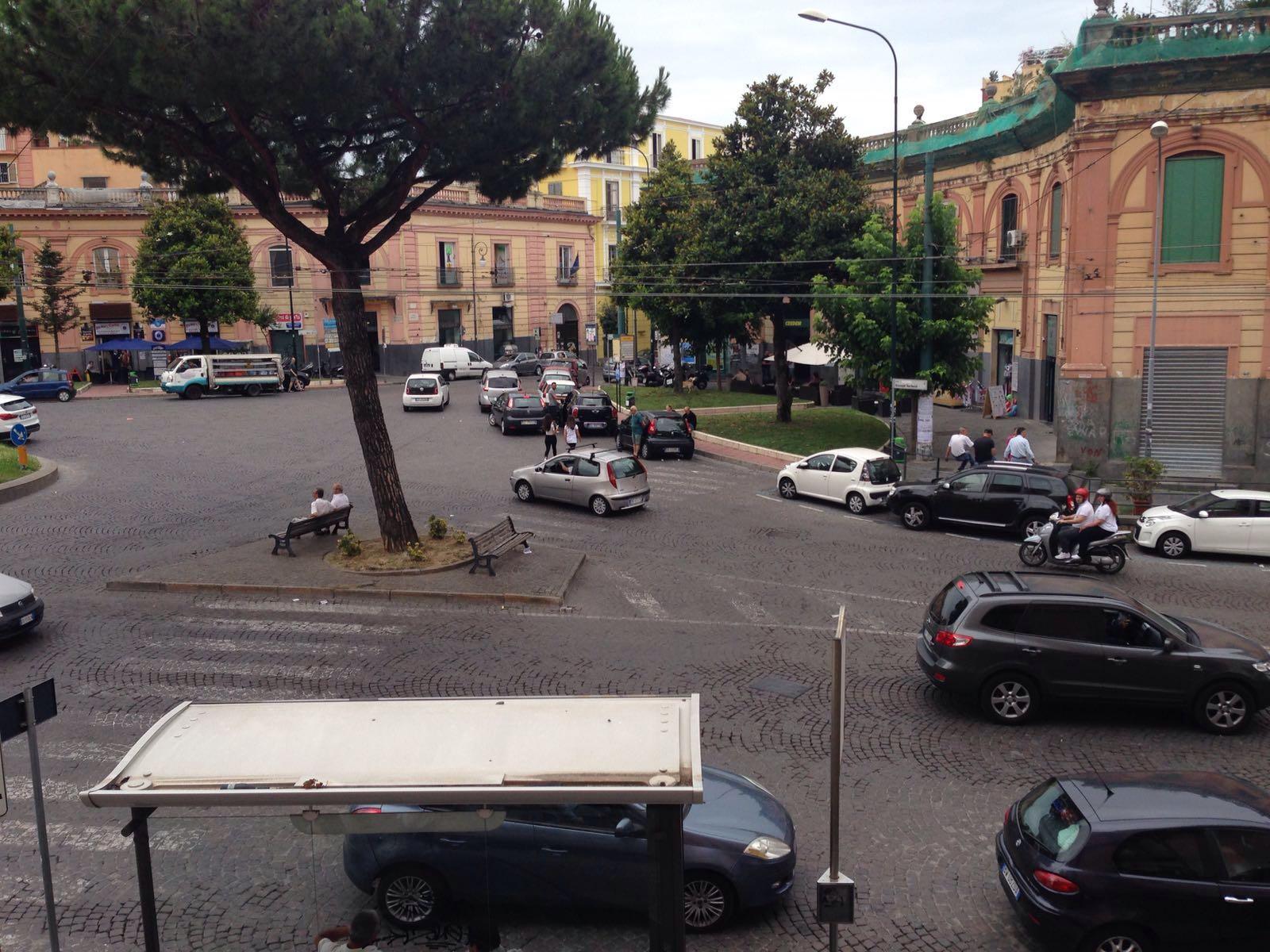 Vendesi Appartamento Piazza San Ciro Portici Na