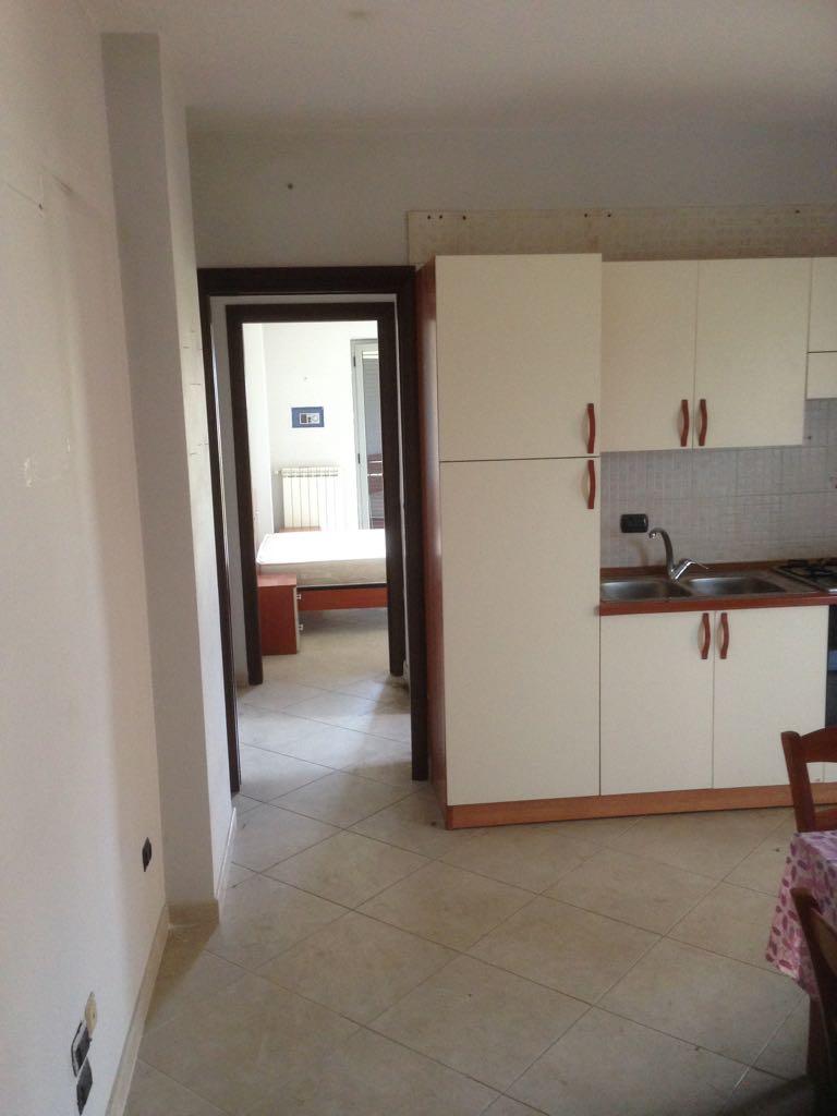 Vendesi appartamento zona spiniello acerratempo di casa for Piani di casa cottage con portici