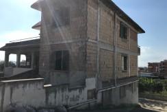 Locale Commerciale Via Madonnelle Cercola Na